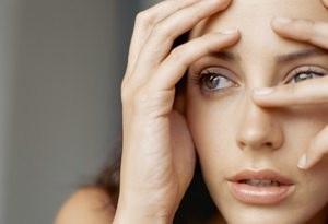 woman-worried-2
